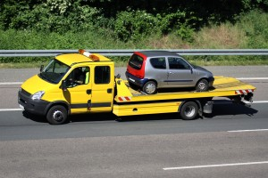 Transport eines Autos zur Autoverwertung Essen